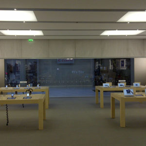 Ecran Mobile SUPERCOIL – Apple Store – Centre Commercial PARLY 2 – 2011